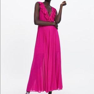 Pleated dress - Zara - NWT